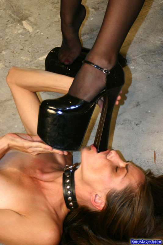 Mistresses and the submissive slave boy 1