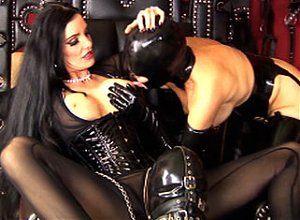 Kinky Carmen Video