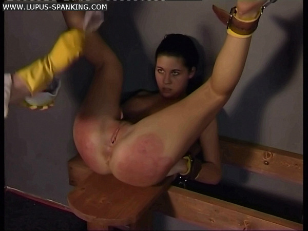 Women who spank men sample clips