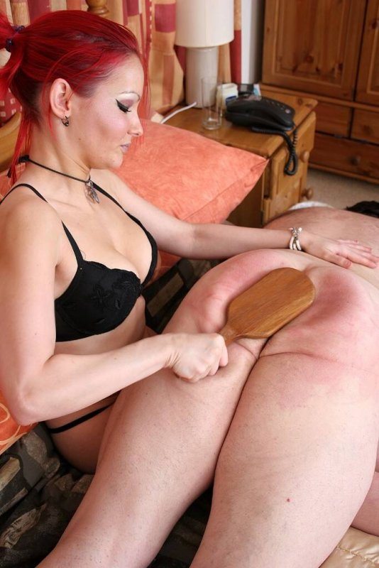 Women spanking men on Red Now Tube